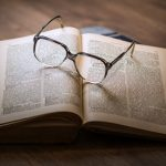 kirja-lasit-pixabay